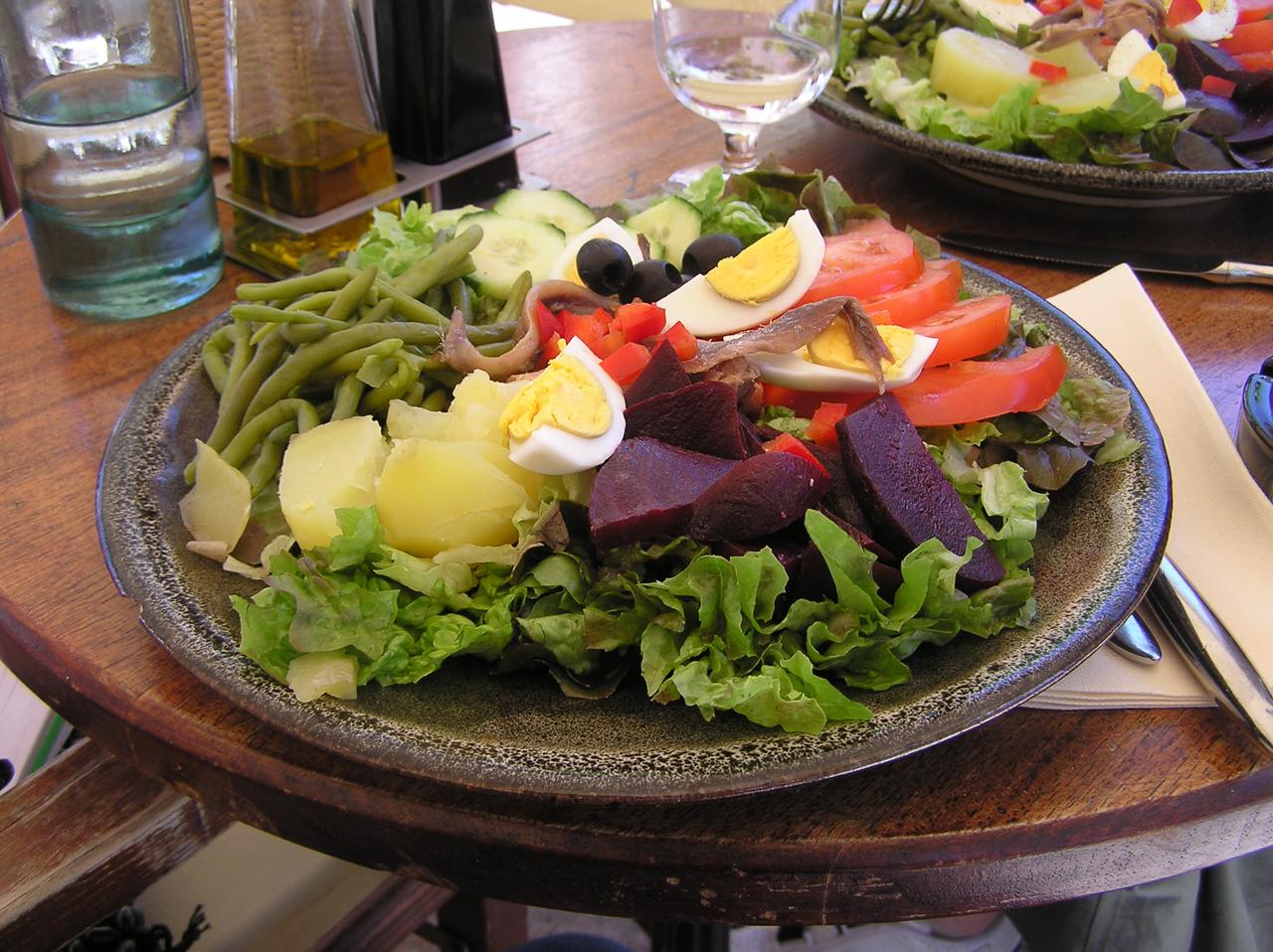 Salade Nicoise in Porto Vecchio