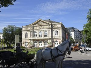 Baden-Baden horse and buggy in front of theatre